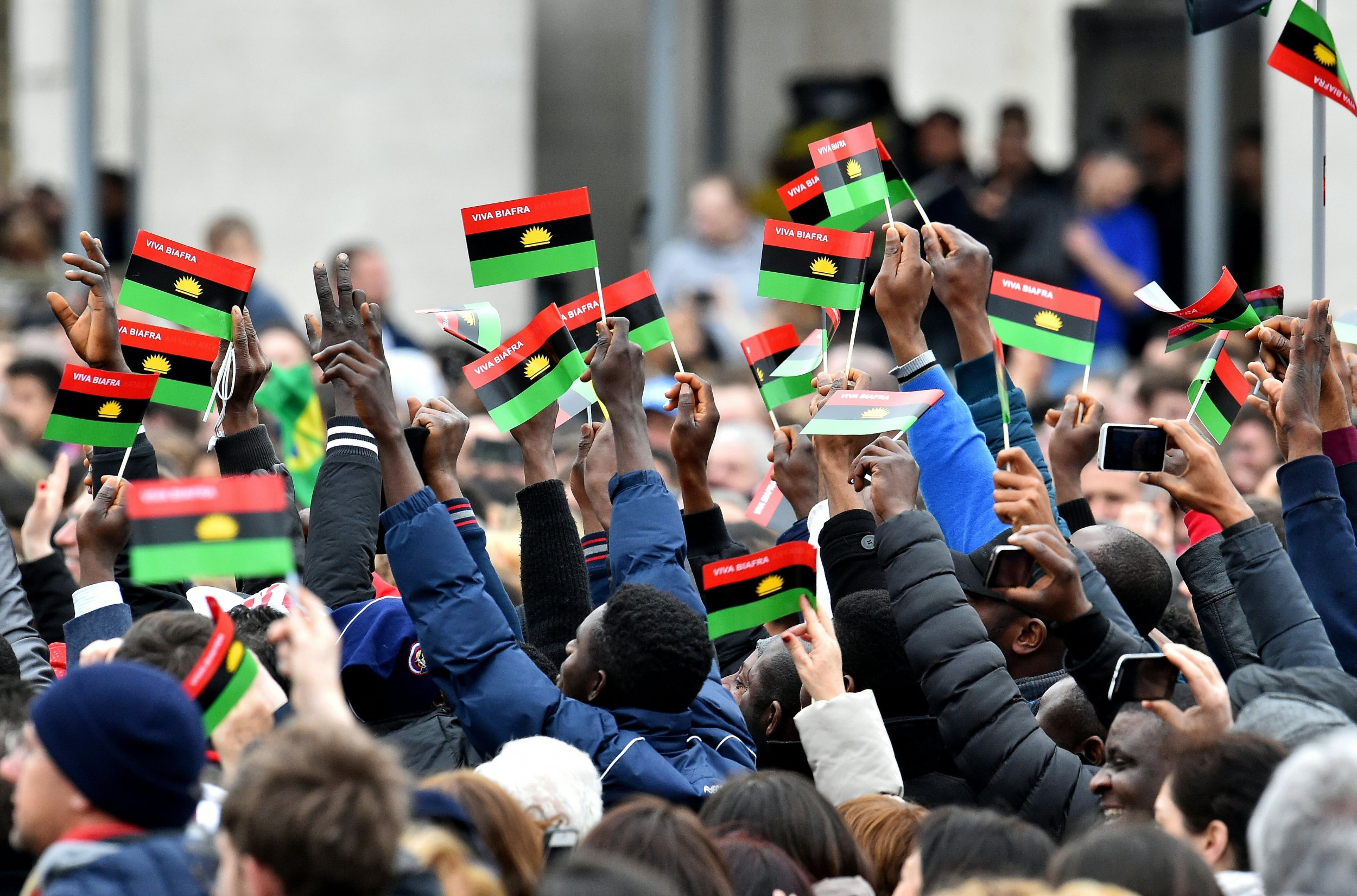 Pope greets pro biafra activists at the vatican during angelus prayer pro biafra activists wave flags in st peters square thecheapjerseys Images