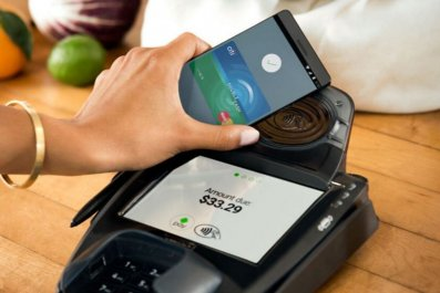 Android Pay UK launch google smartphone