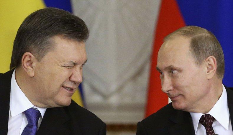 Yanukovych winks at Putin