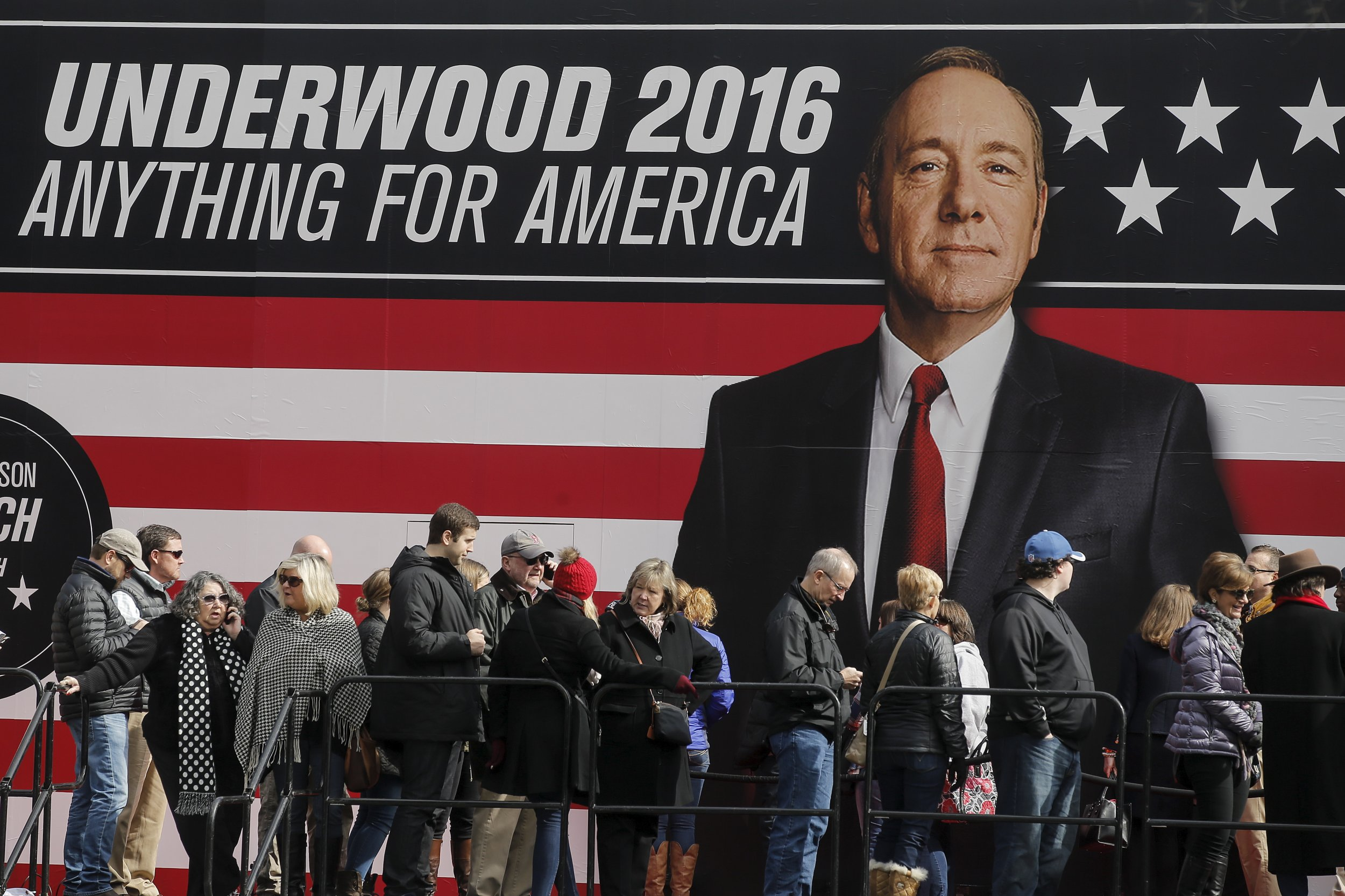 House of Cards: Kevin Spacey's President Frank Underwood Backs ...