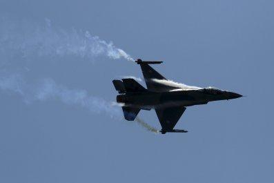 03_04_pakistan_f-16_fighter_01
