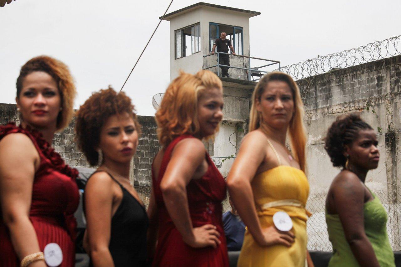 03_18_PrisonClothes_01