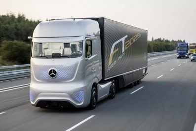 self-driving lorry driverless HGV autonomous truck