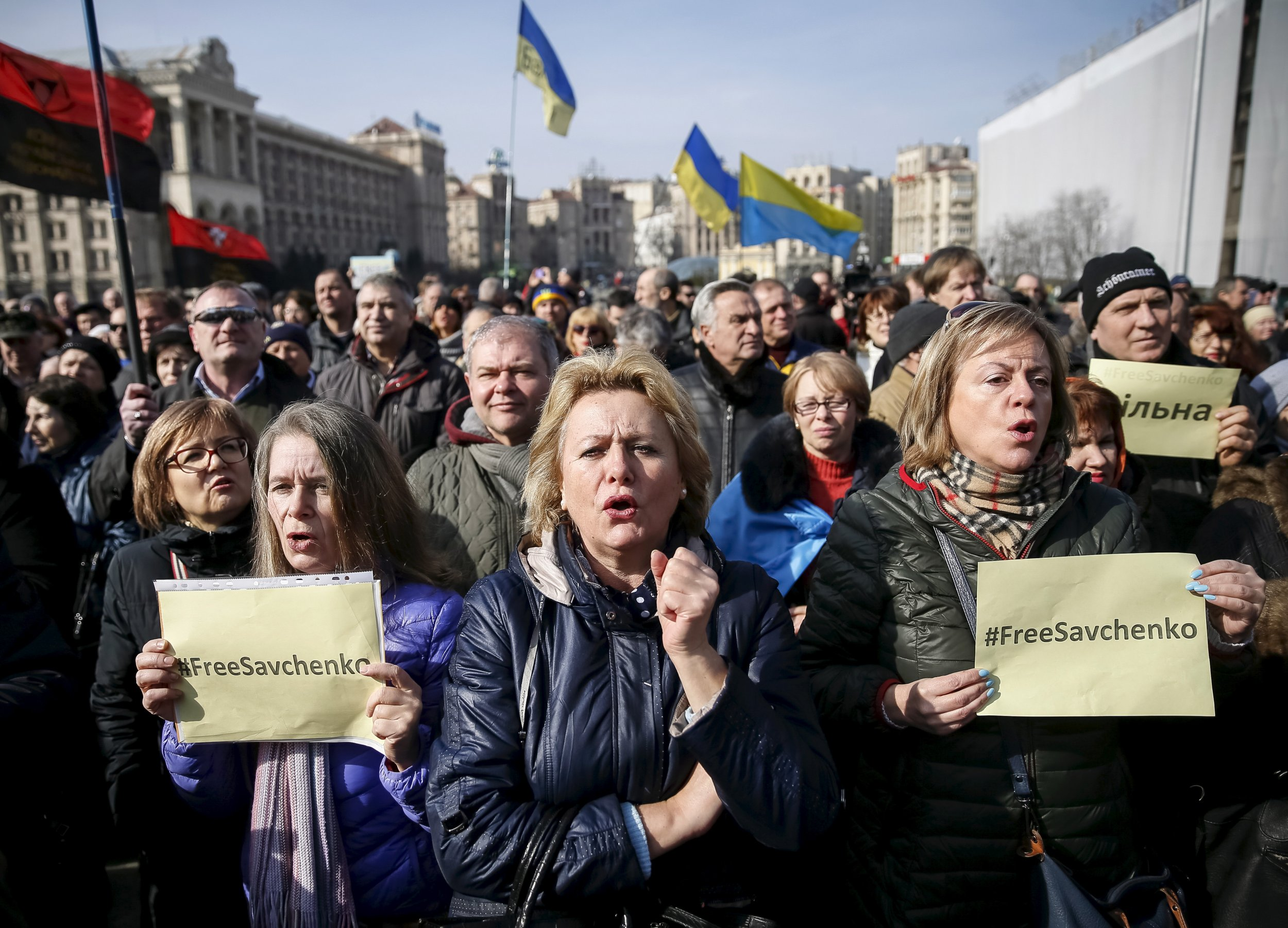 Ukrainian protesters in front of Russian Embassy