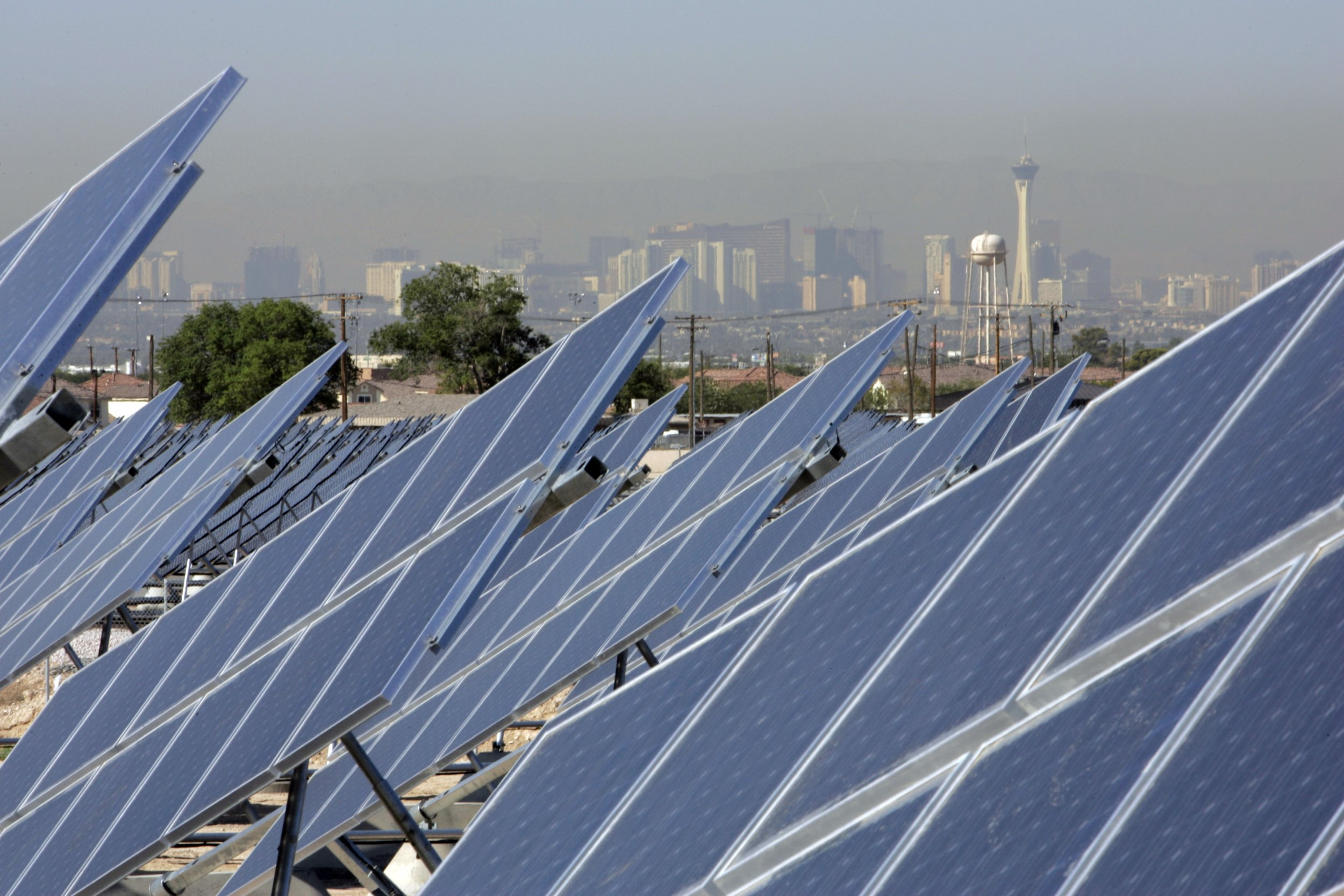 Las Vegas Casinos Want To Use More Renewable Energy But