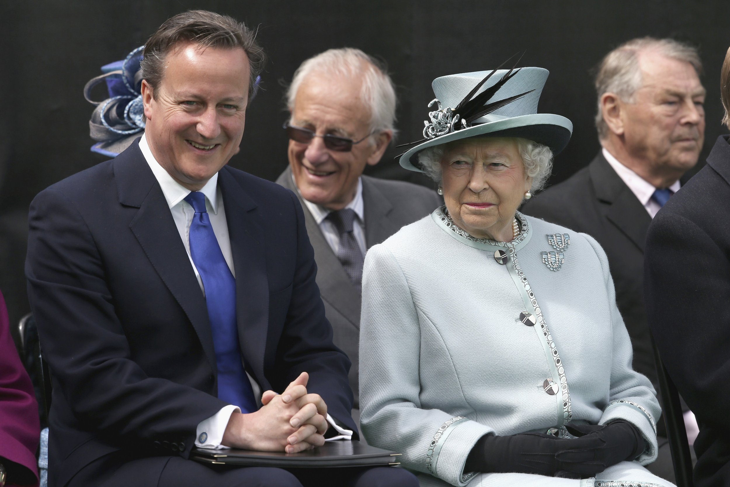 15/06/2016_Queen David Cameron
