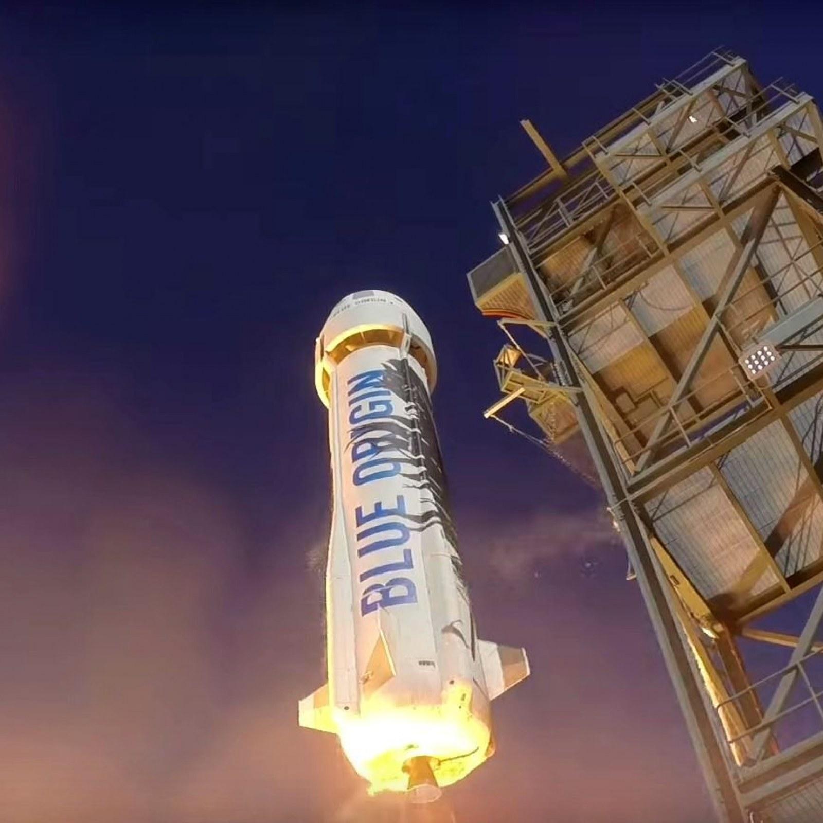 Jeff Bezos Sells $1 Billion in Amazon Stock to Fund Space Race