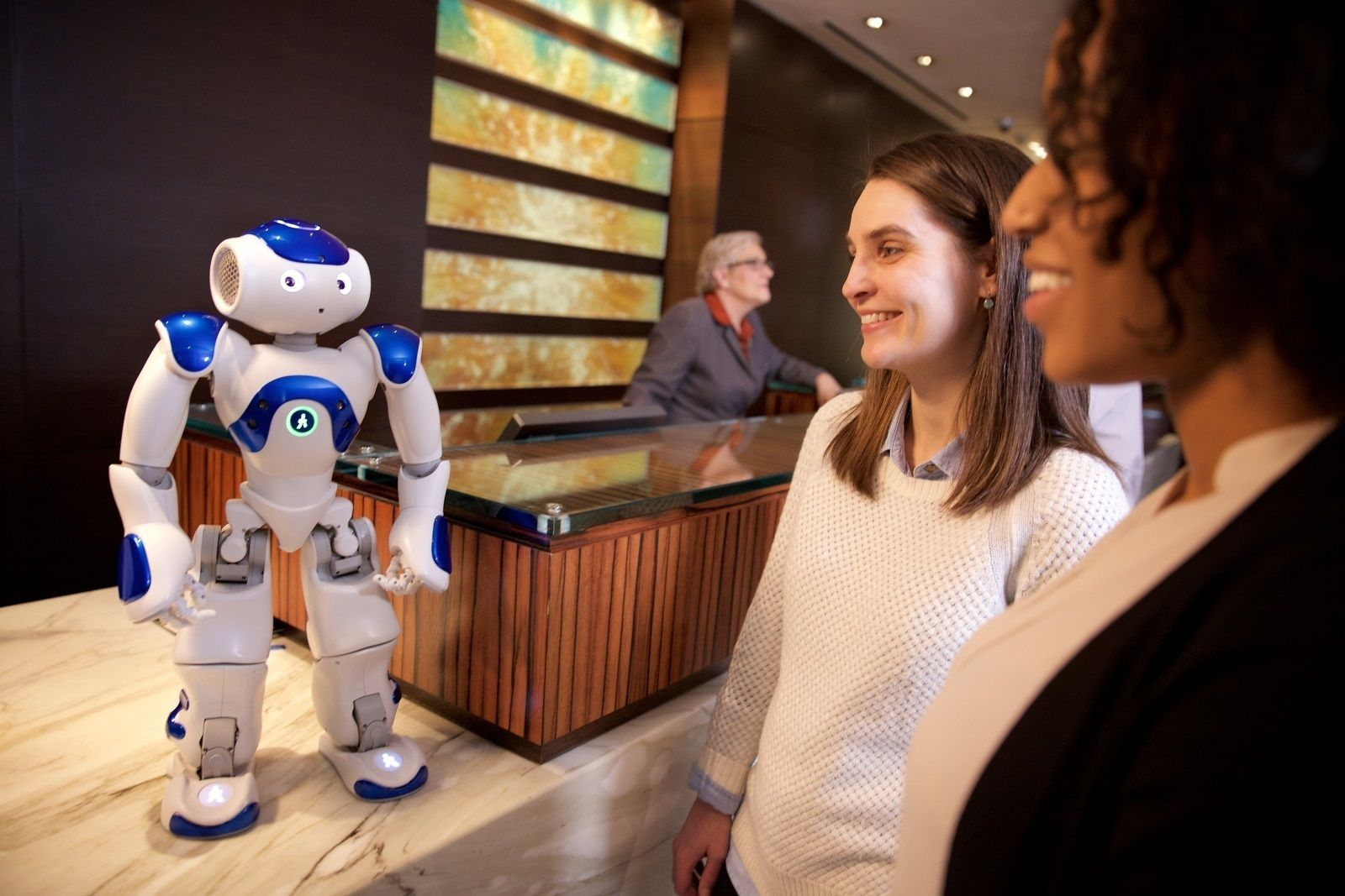 robot hilton ibm watson receptionist concierge