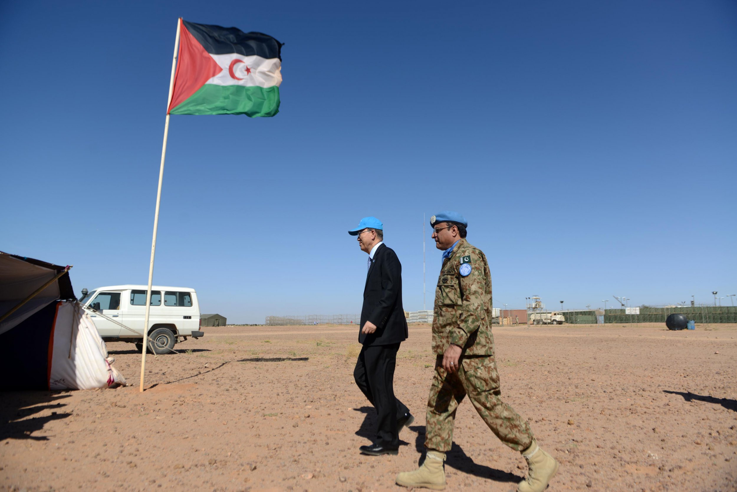 Ban Ki-moon meets with the Polisario Front in Western Sahara.