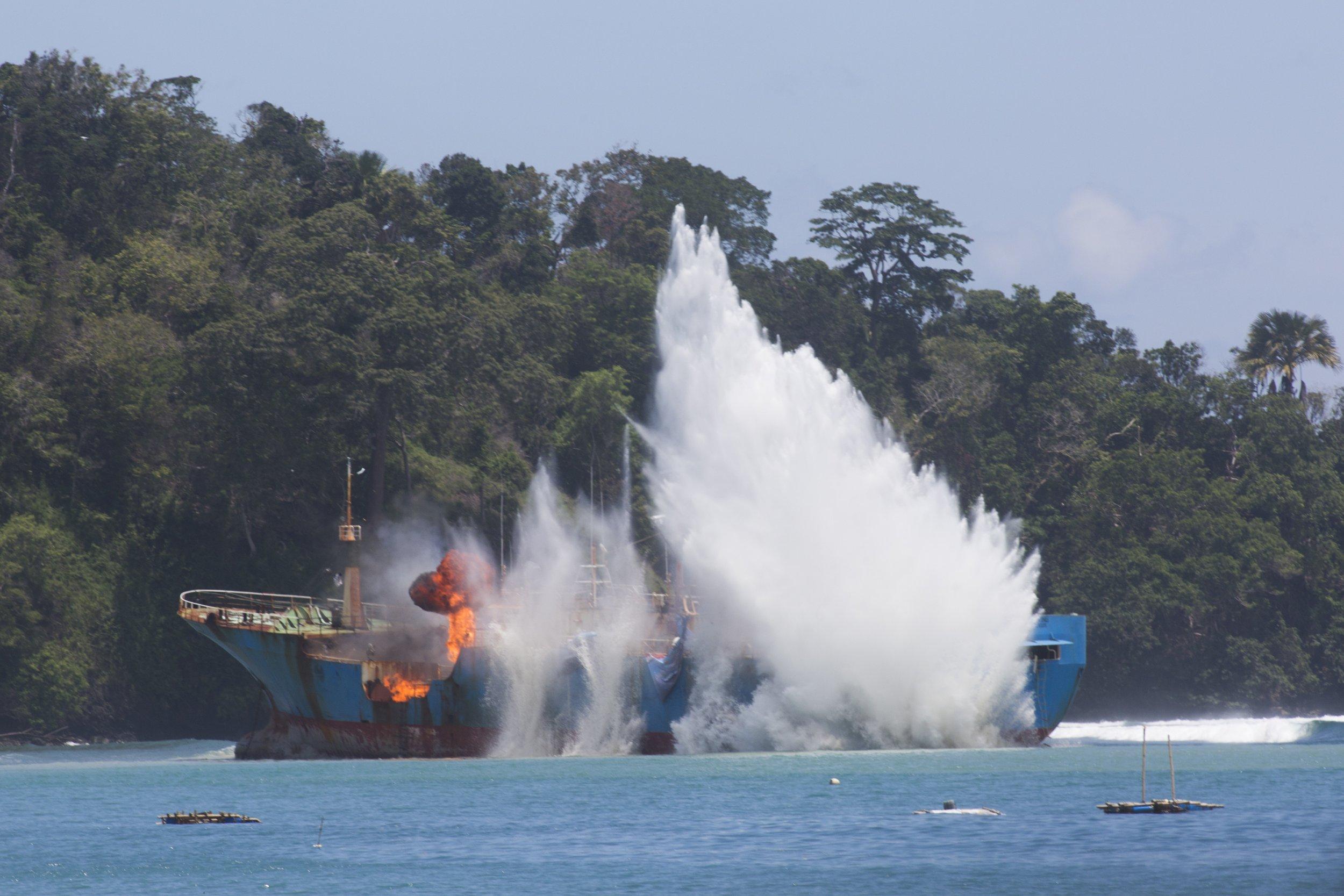 Viking-ship-exploded