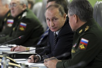 Putin and Shoigu talk