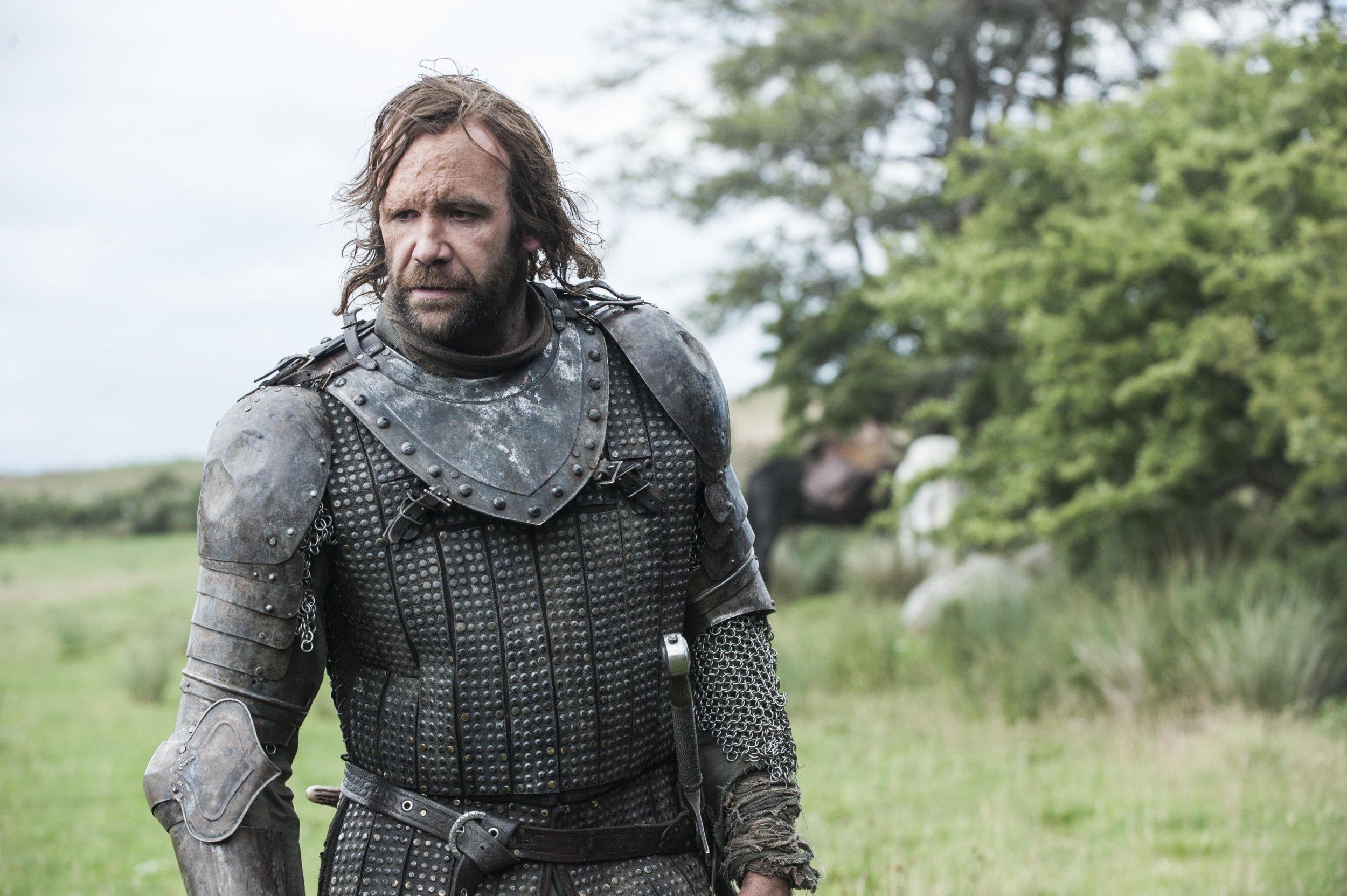 Rory-McCann-as-Sandor-The-Hound-Clegane_photo-Helen-Sloane_HBO