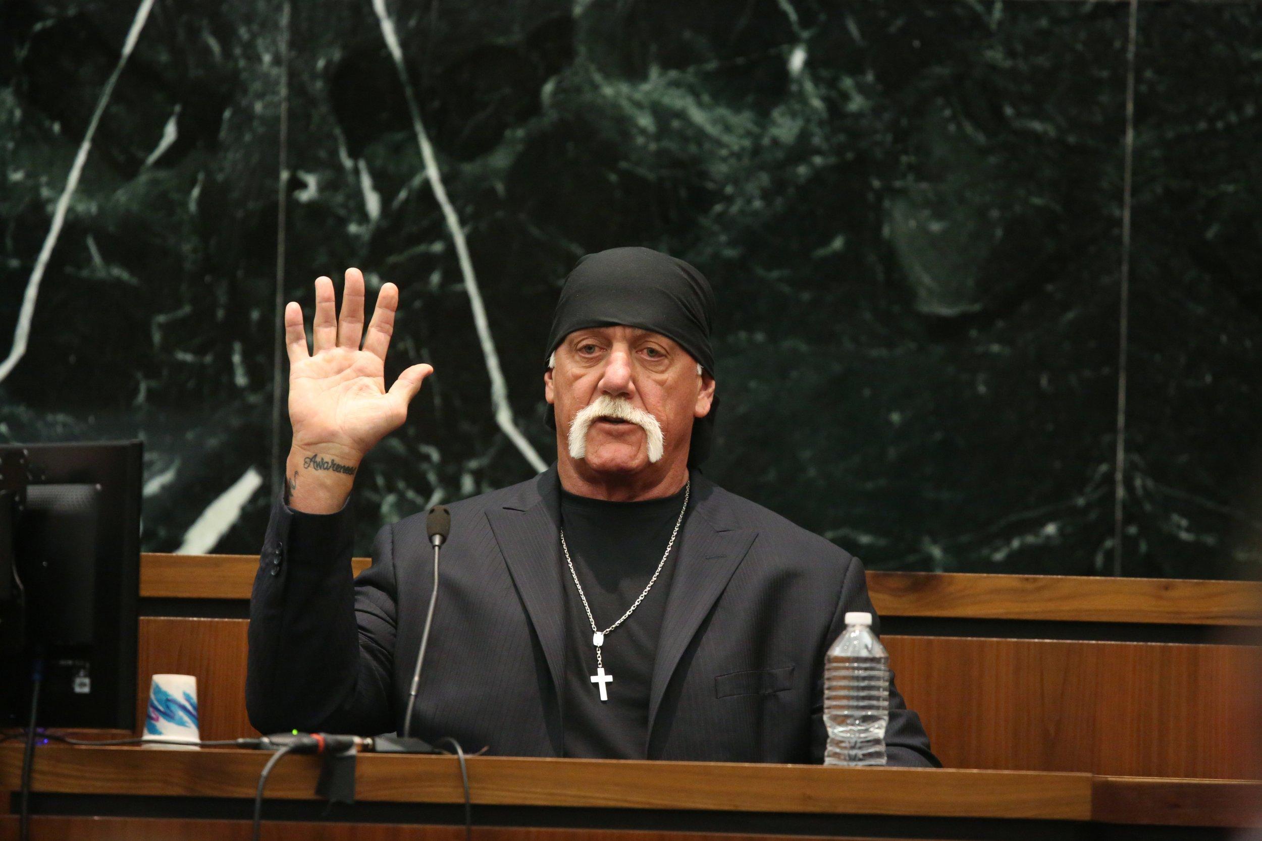 Hulk Hogan in court versus Gawker