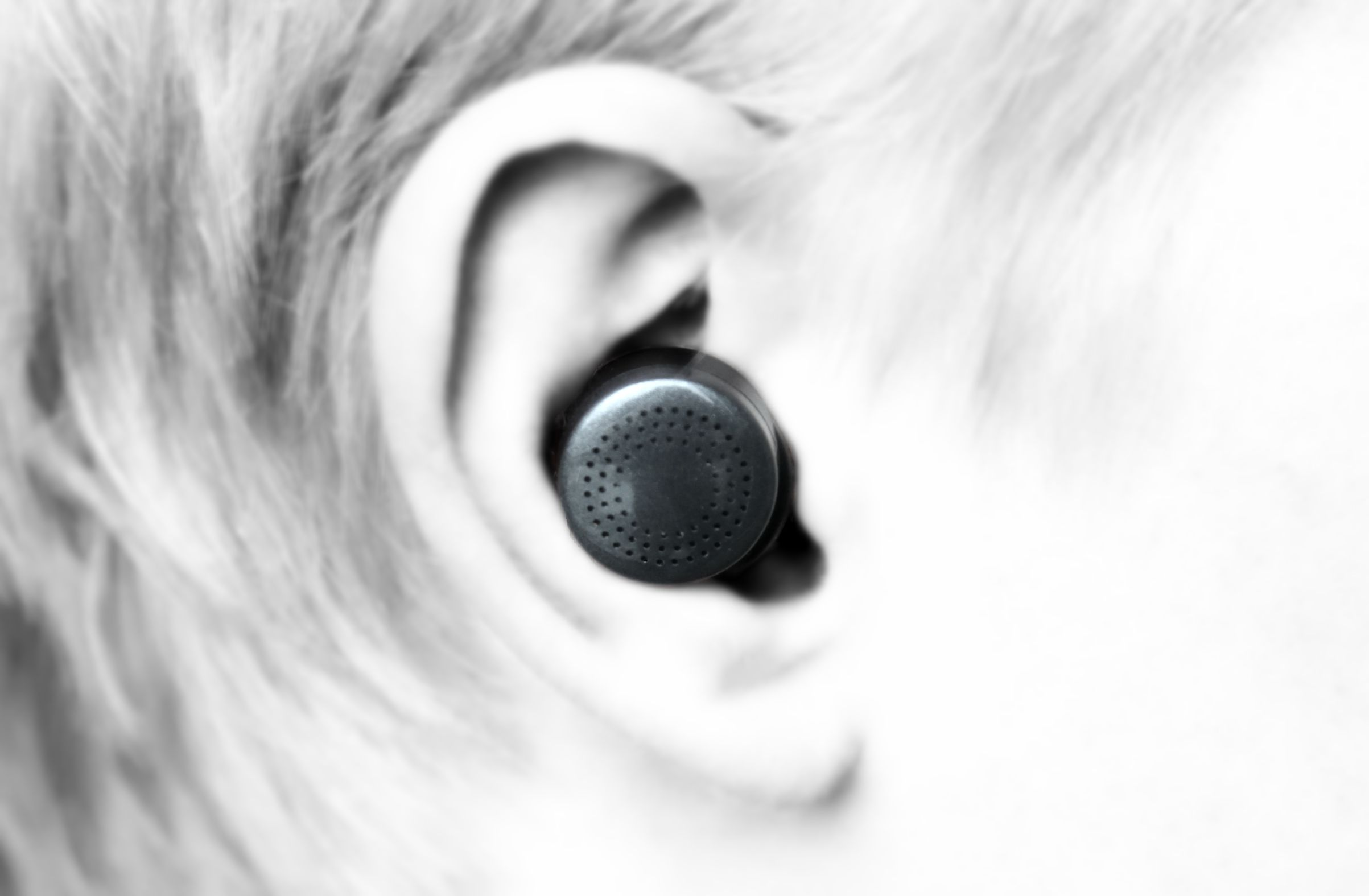 here active listening review doppler labs superman earbud