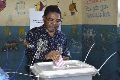 Zanzibar's President Ali Mohamed Shein votes in the election rerun.