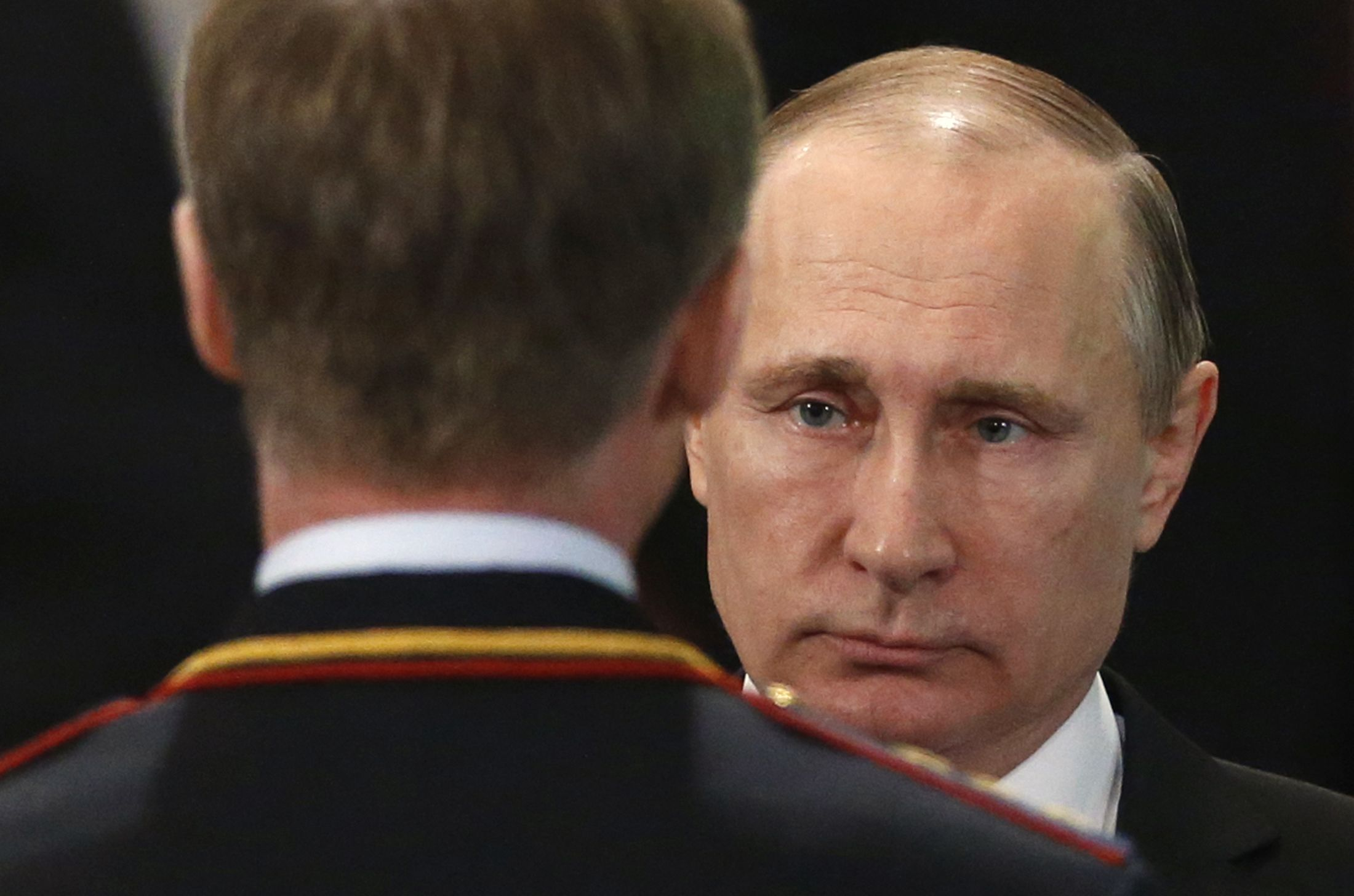 Putin speaks to police in Moscow