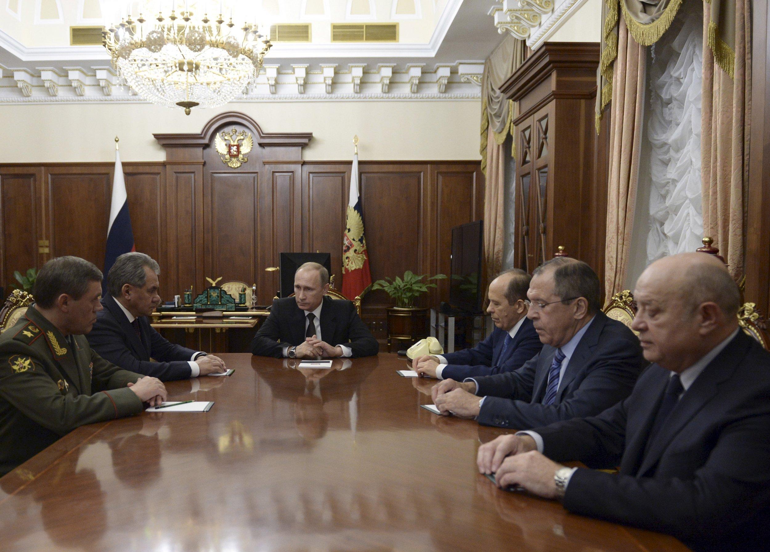 03_22_Putin_Retreat_01