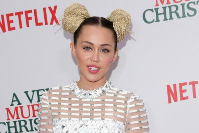 Miley at Murray Christmas Netflix premiere