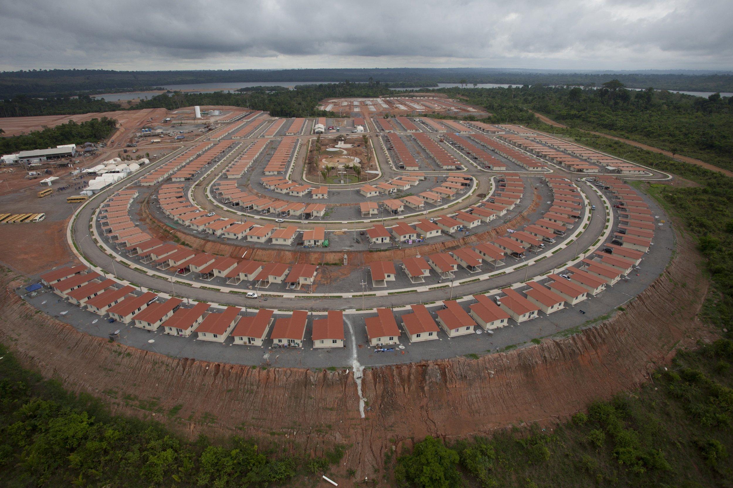 03_22_brazil_hydroelectric_dam_01