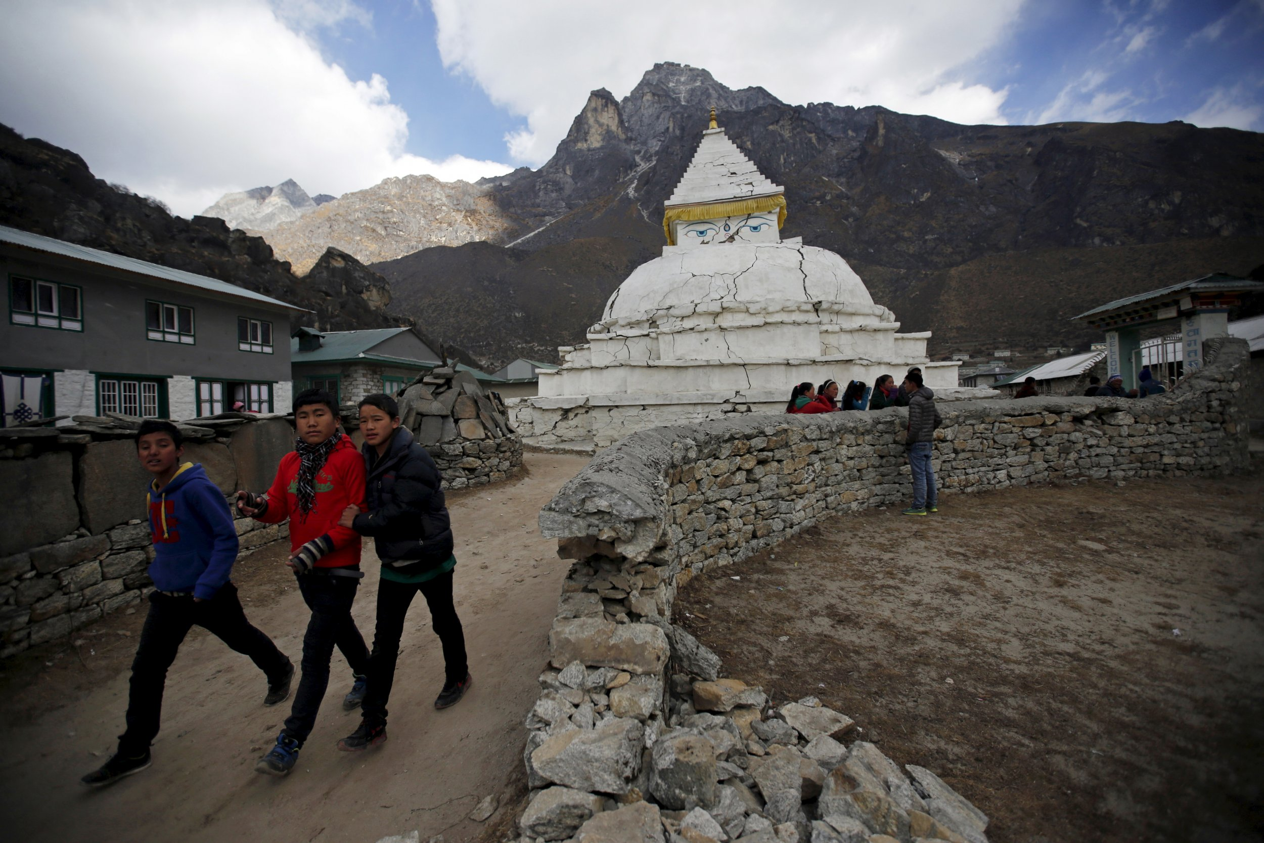 Rehousing The Gods Struggle To Rebuild Nepal S Temples
