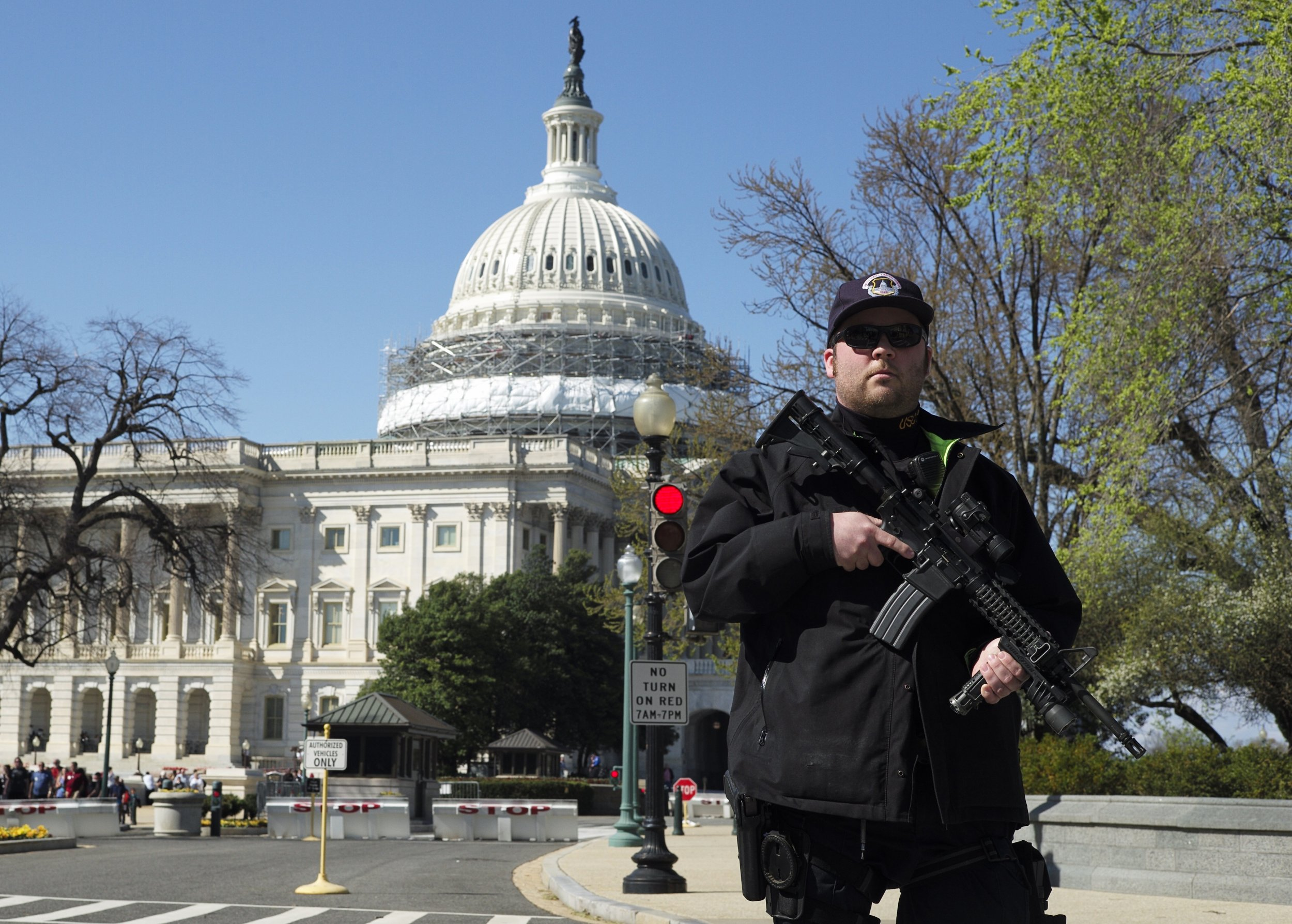 0328_Capitol_lockdown_02