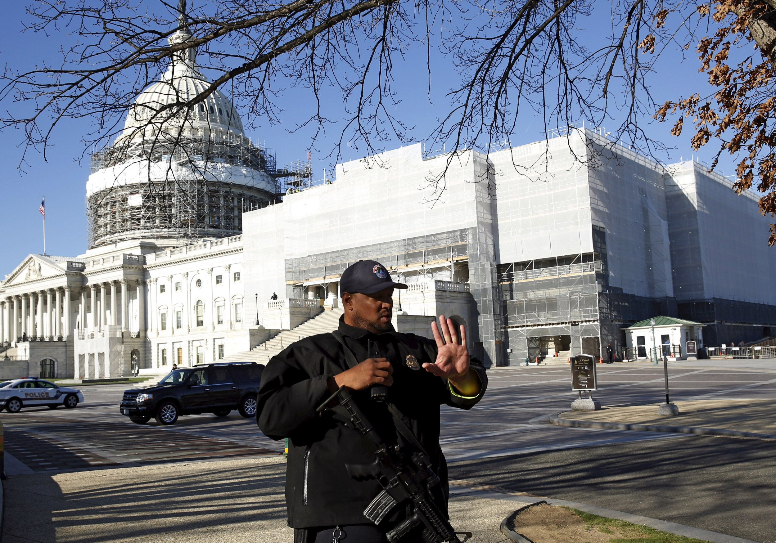 0329_Capitol_lockdown_01