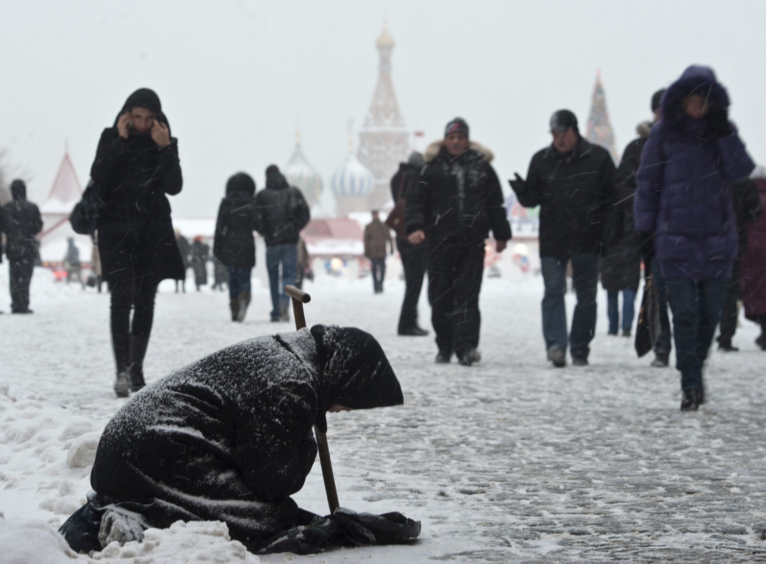 Slow Down Signs >> Putin Presides Over a Slide Into Poverty
