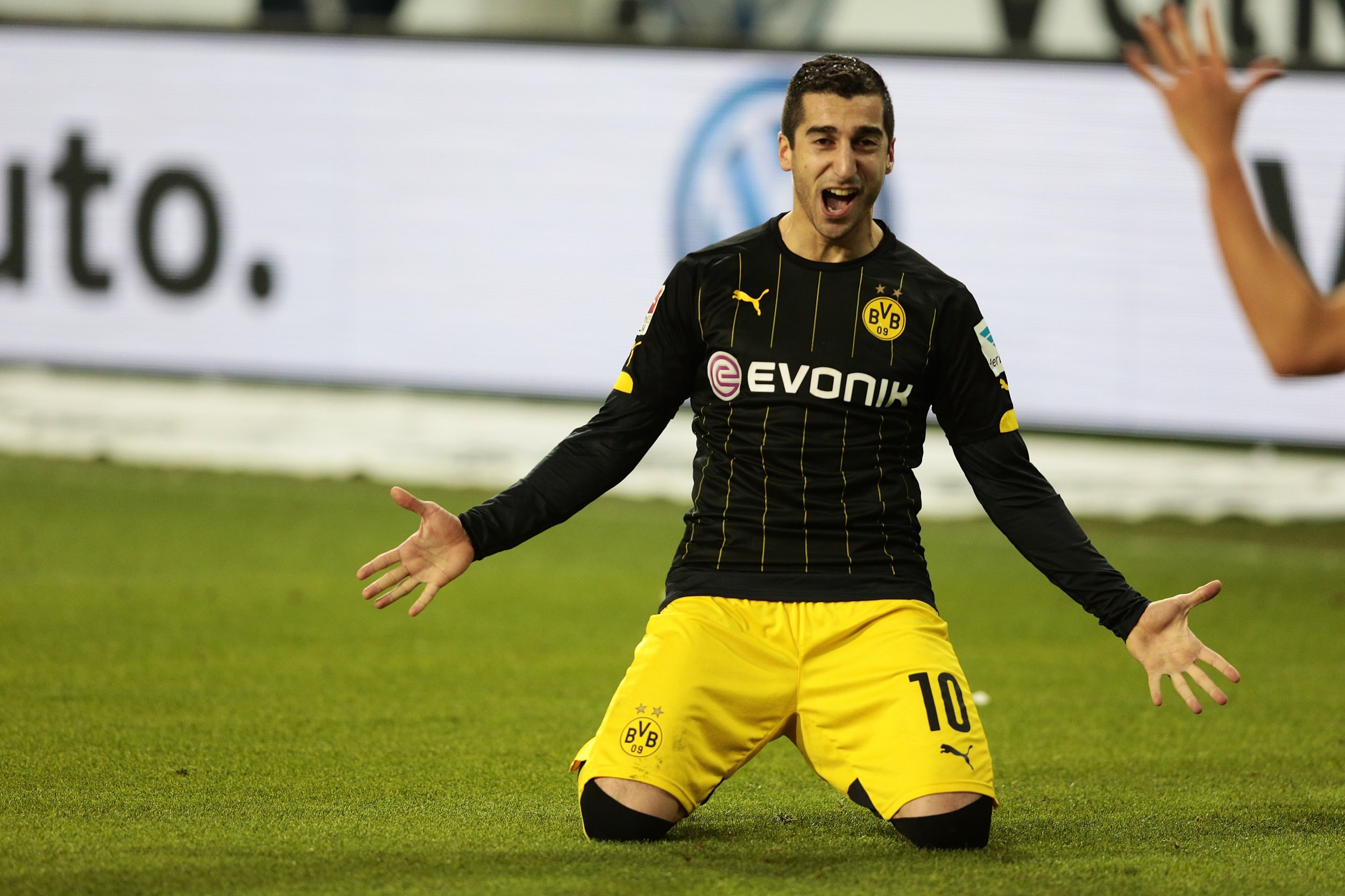 Henrikh Mkhitaryan is a reported transfer target for Arsenal.