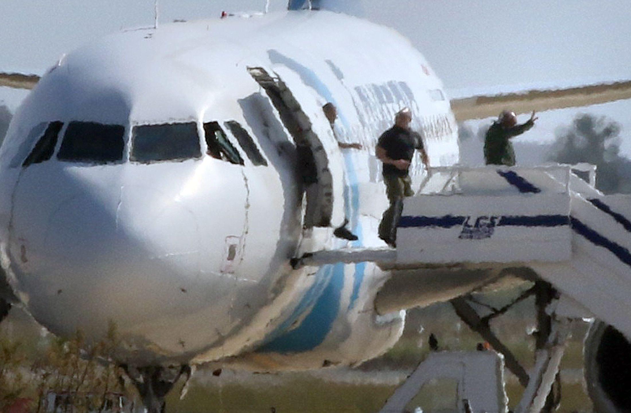 29/03/2016_Lowe_Egyptair