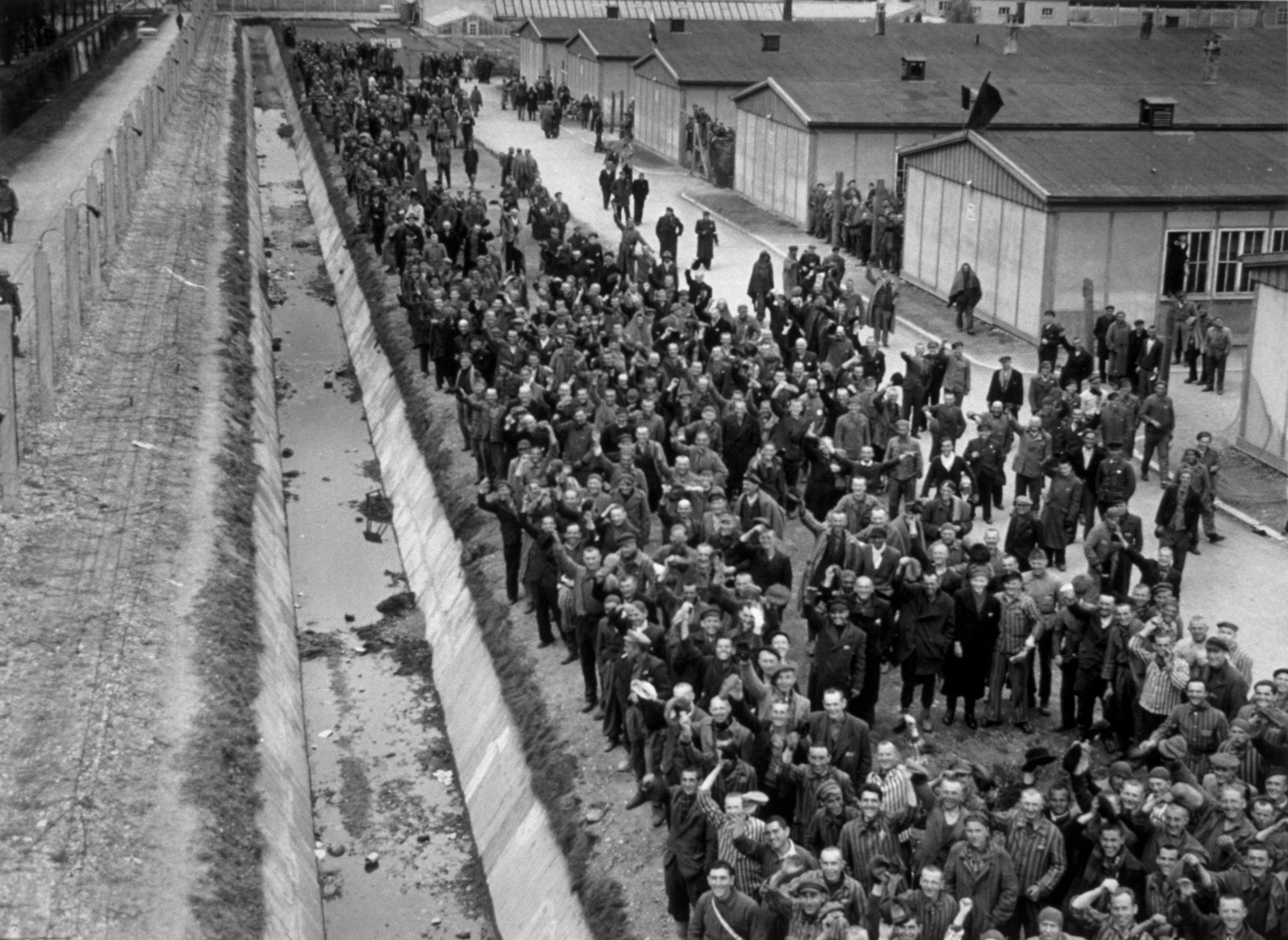 holocaust victims and the camps World war ii: the holocaust alan stands amid a pile of holocaust victims as he speaks to 200 german bodies of victims of german prison camps were found.