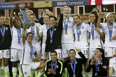 us_womens_soccer_wage_discrimination_0331