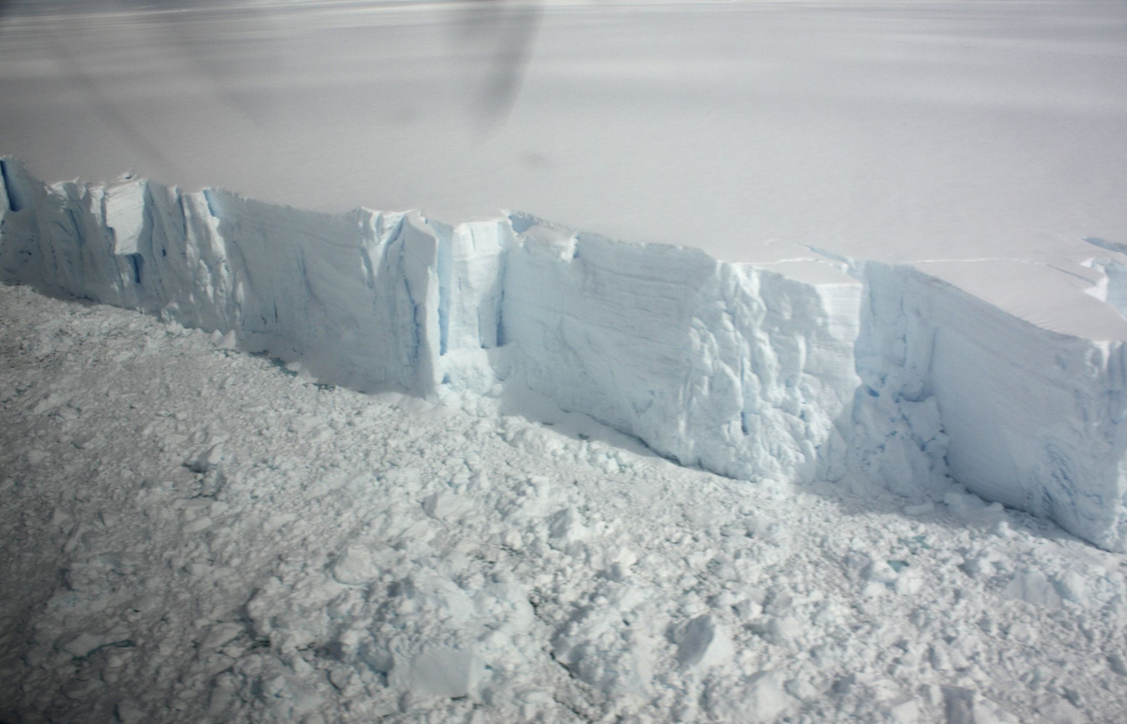 Antarctica ice cliff