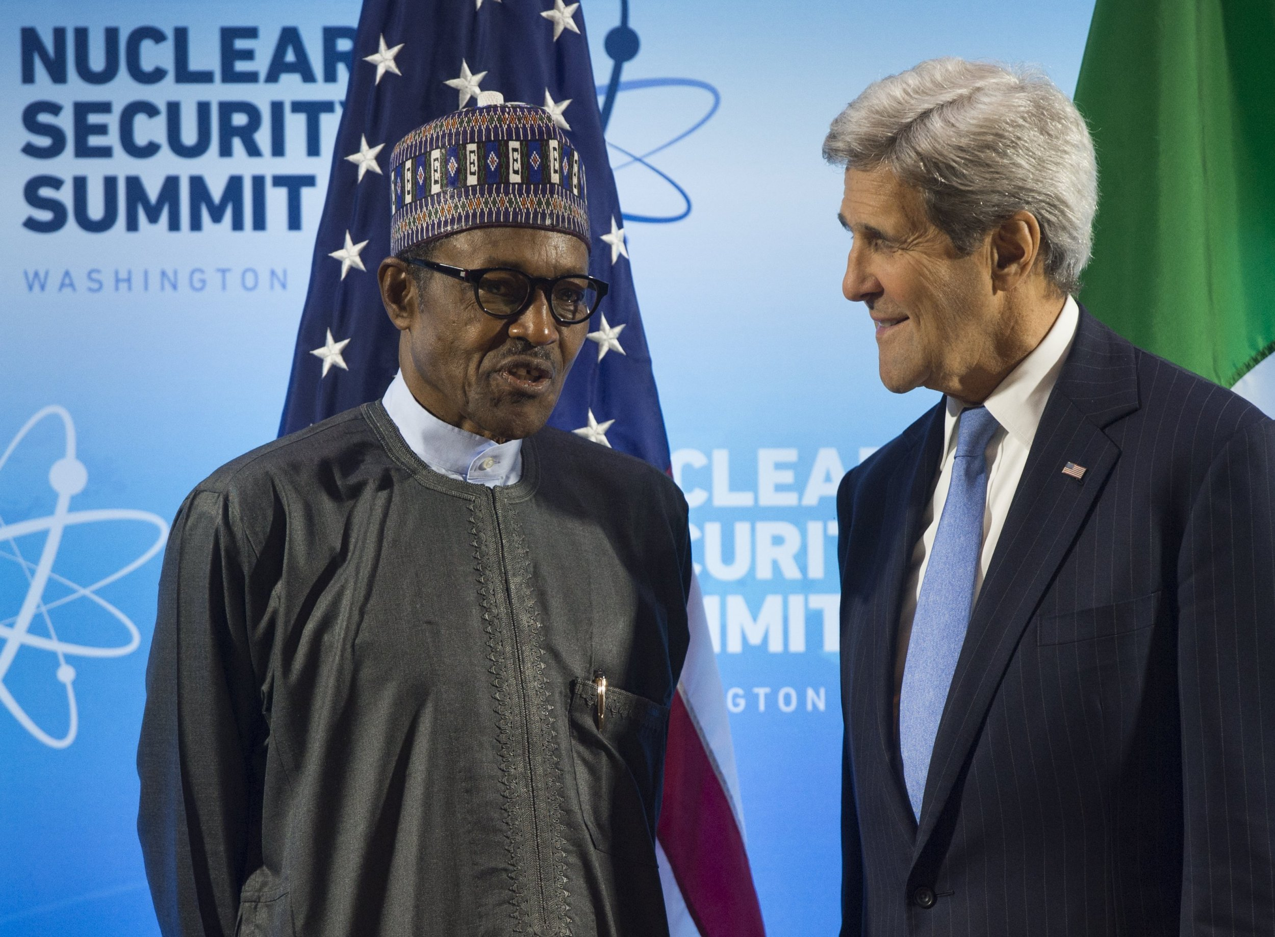 Nigerian President Muhammadu Buhari speaks with U.S. Secretary of State John Kerry.
