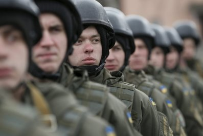 04_02_Armed_Ukraine_01