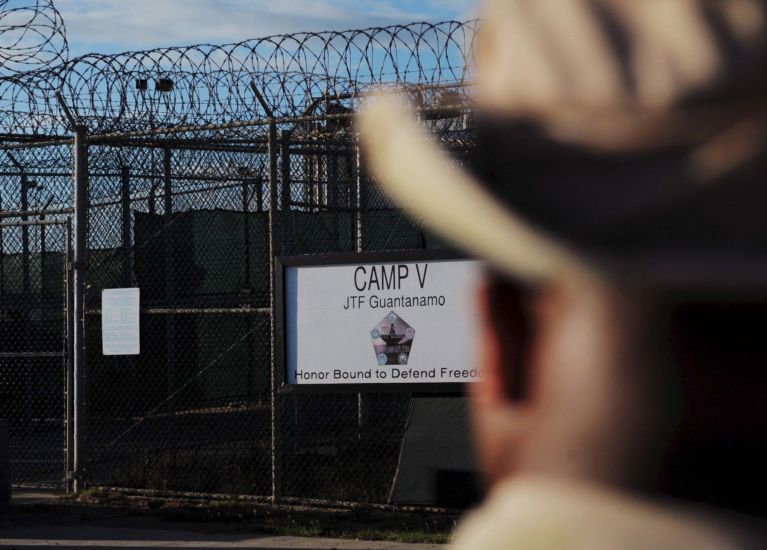 04_04_Guantanamo_Detainees_01