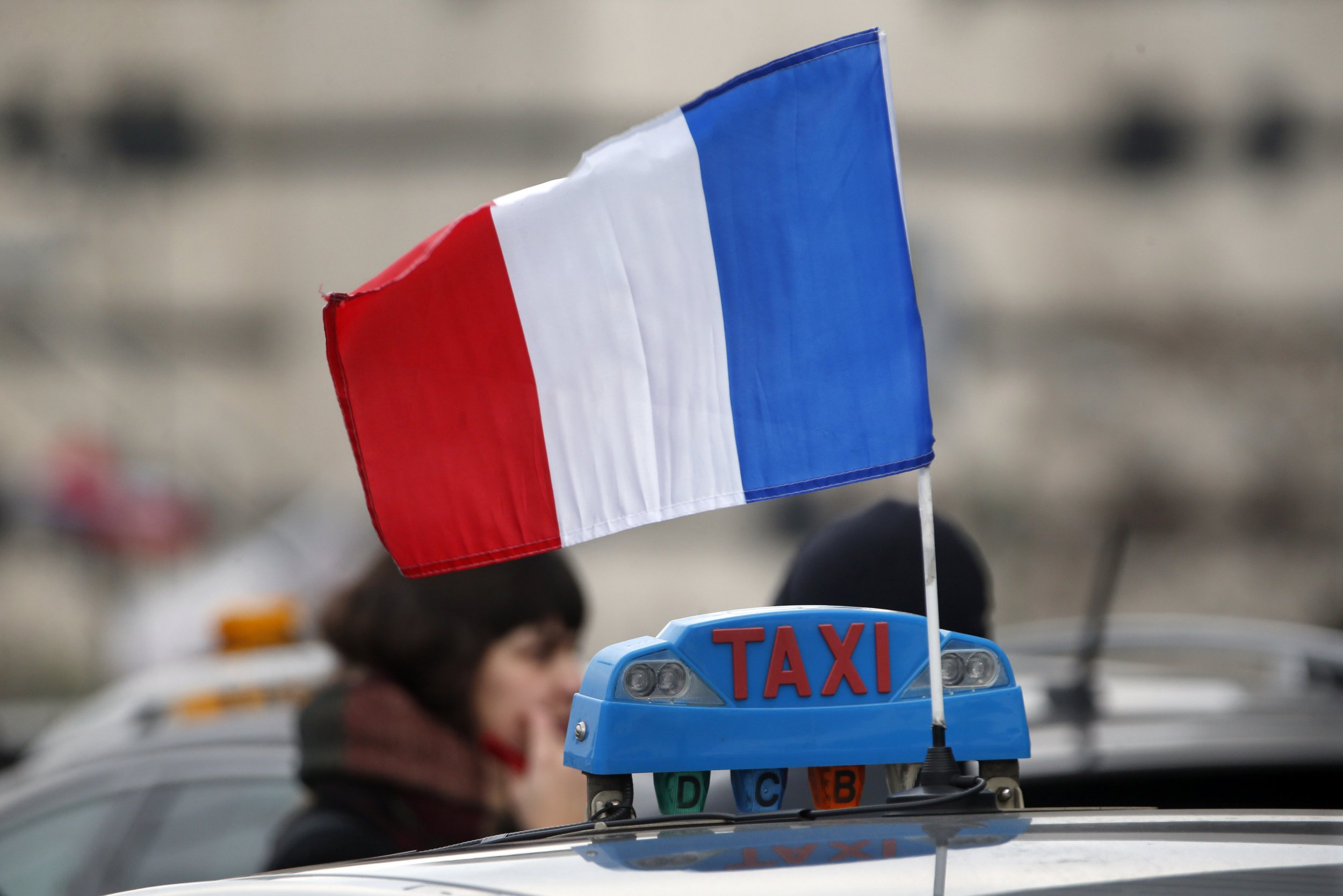 french cabbies threaten euro 2016 strike in uber protest. Black Bedroom Furniture Sets. Home Design Ideas