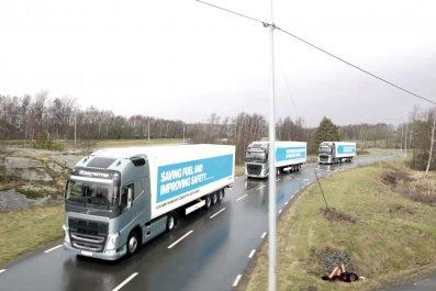 self-driving truck driverless HGV autonomous convoy