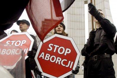 04_11_Poland_Abortion_01