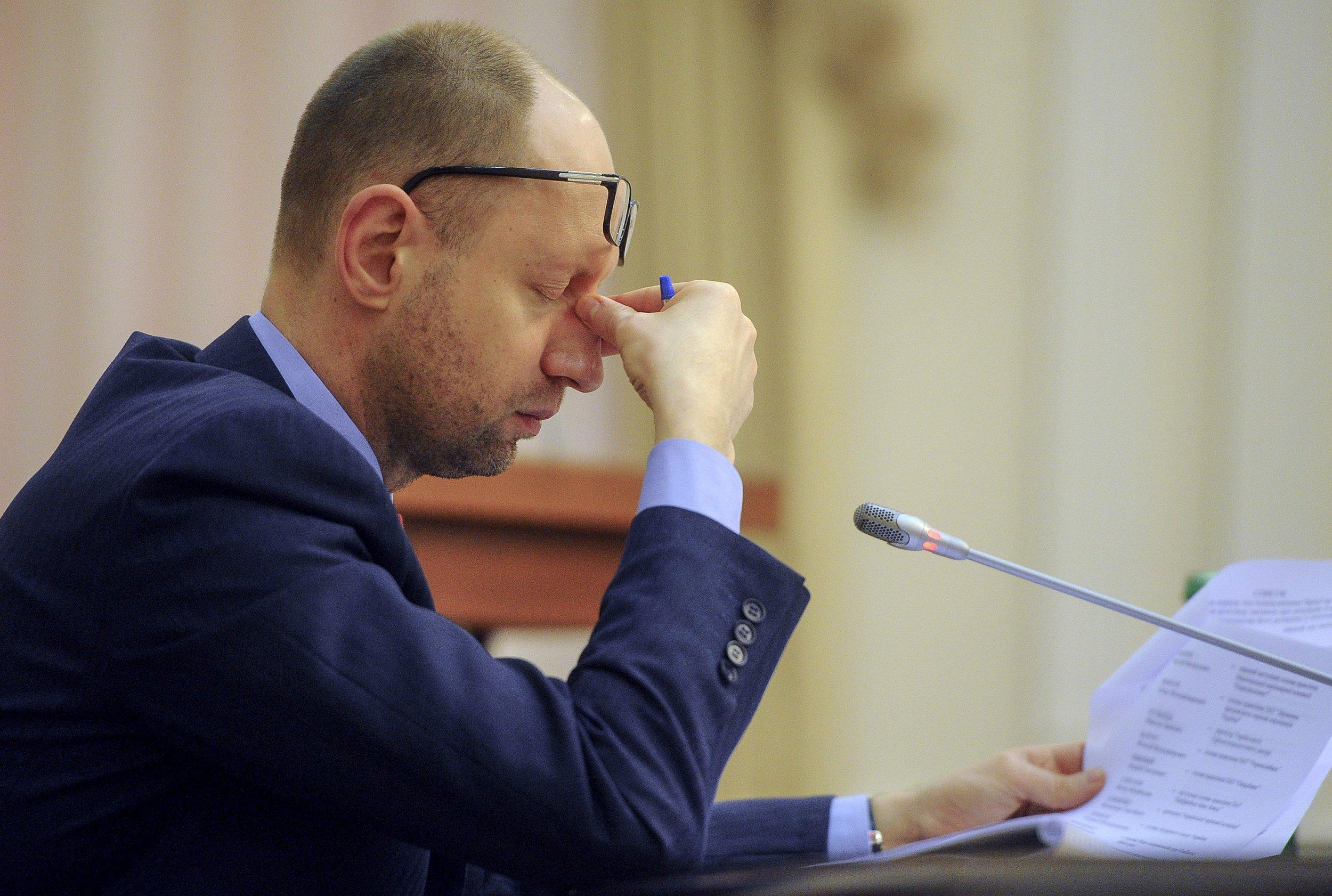 04_11_Ukraine_Resign_01