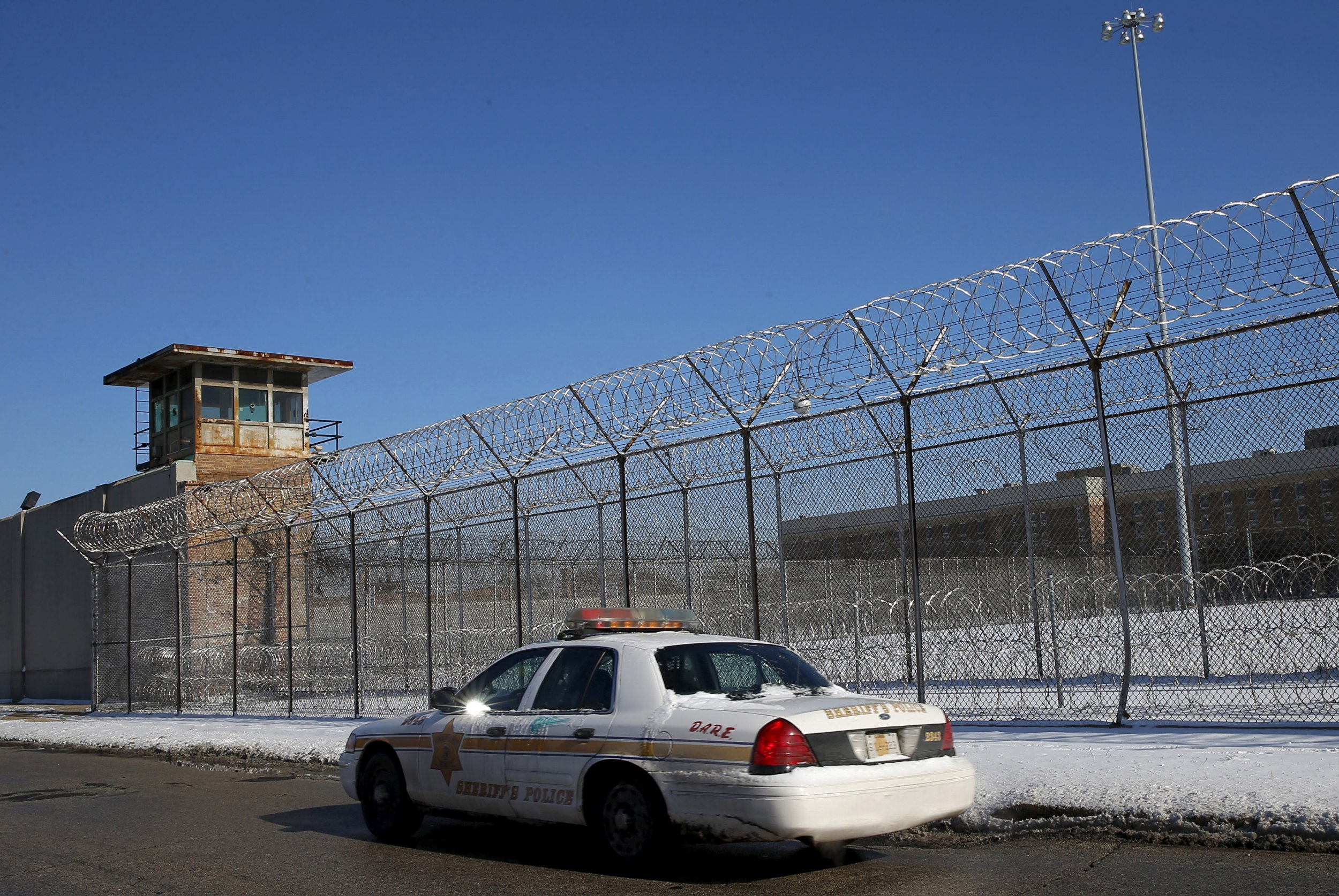 04_12_Clinton_Prison_01