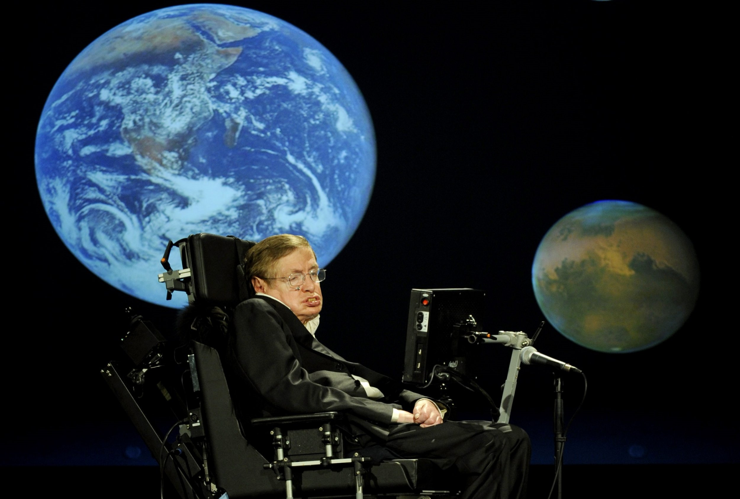 stephen hawking teams up with billionaire to hunt aliens