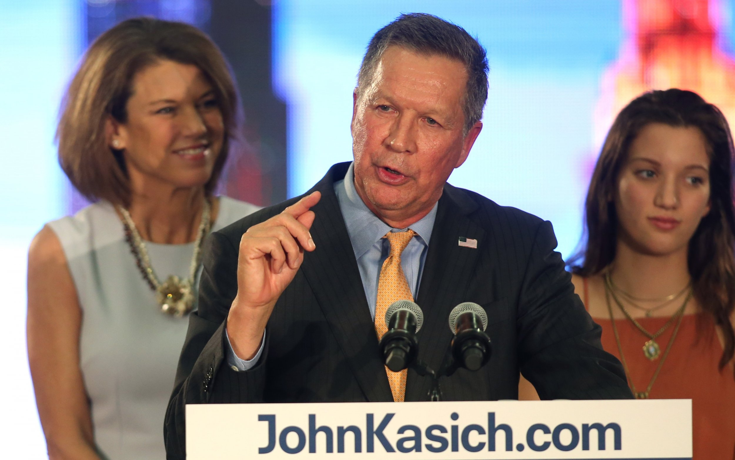 0412_John_Kasich_family_town_hall_01