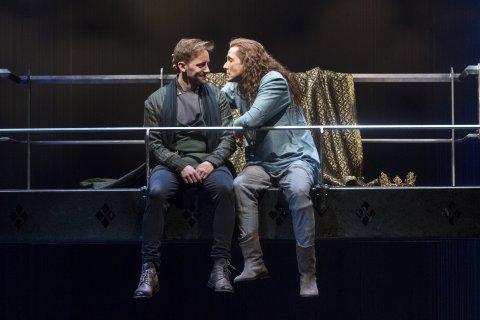 Richard II kiss