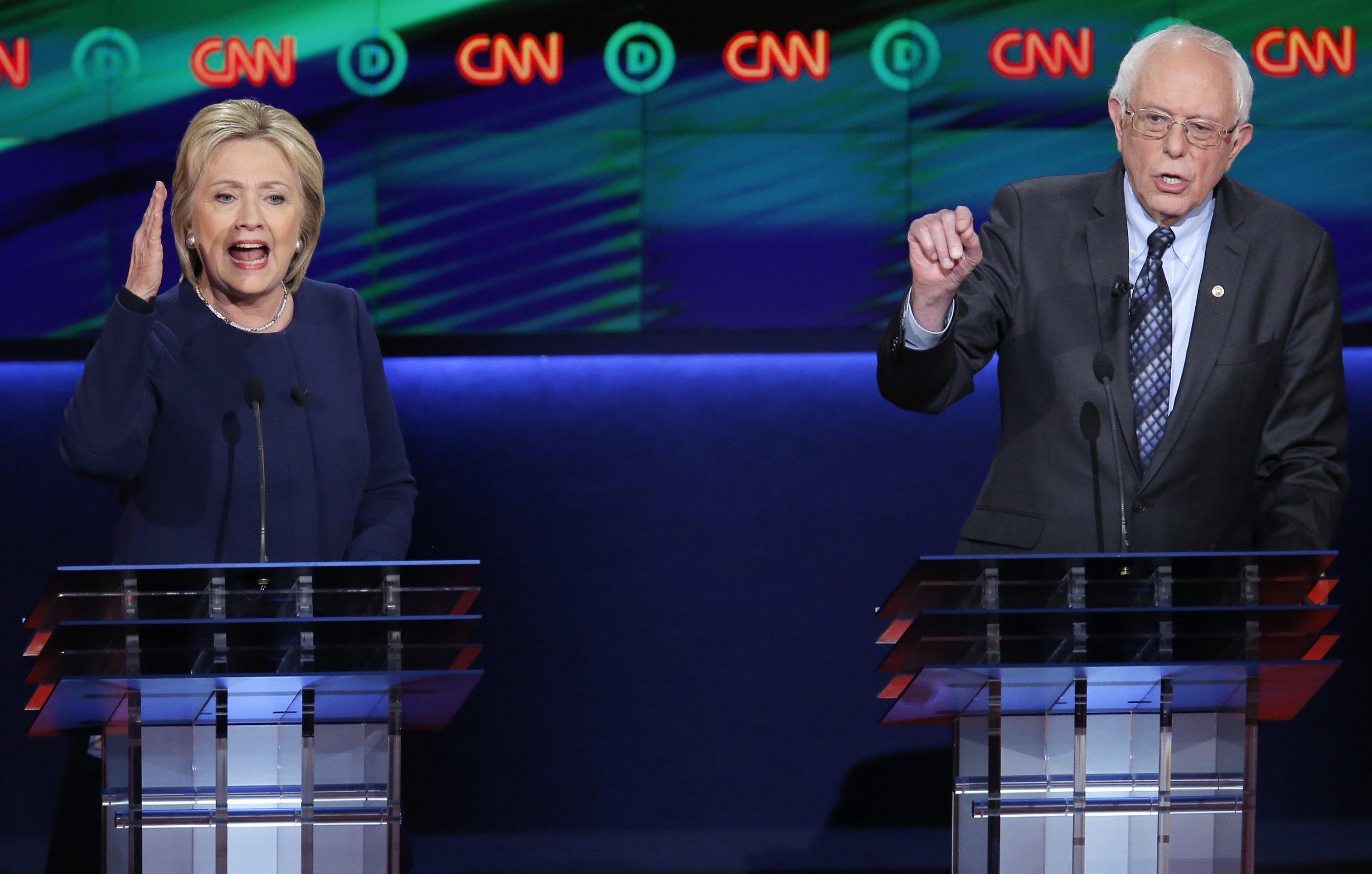 0413_Democratic_debate_Brooklyn_01