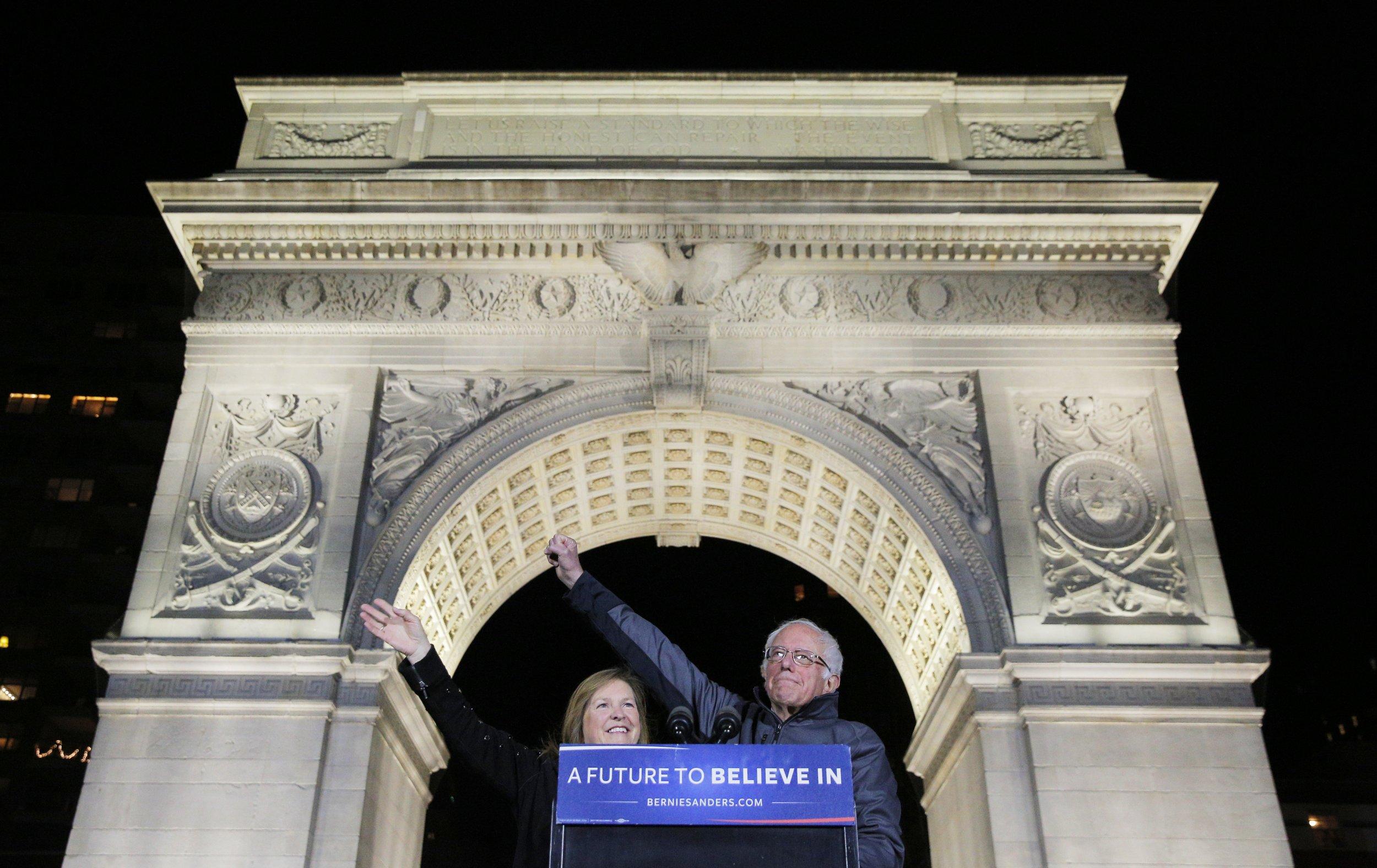04_13_Bernie_Sanders_Washington_Square_Park