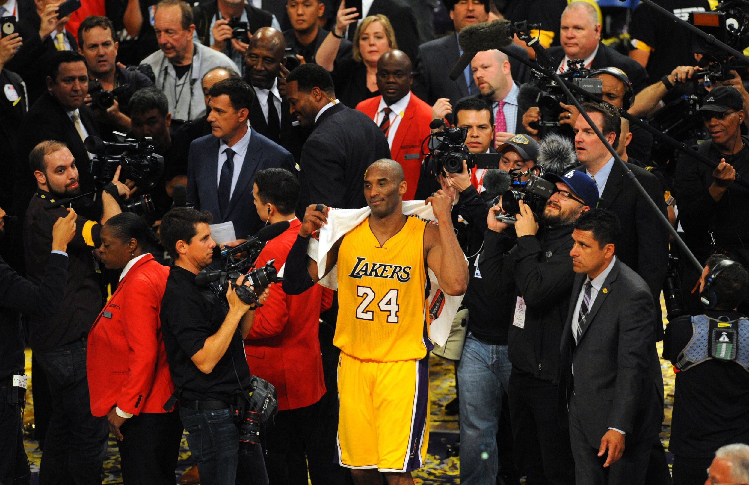 Kobe Bryant Ends Career With 60-Point Outburst