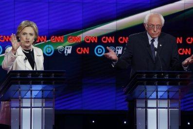 04_15_clinton_sanders_debate_01