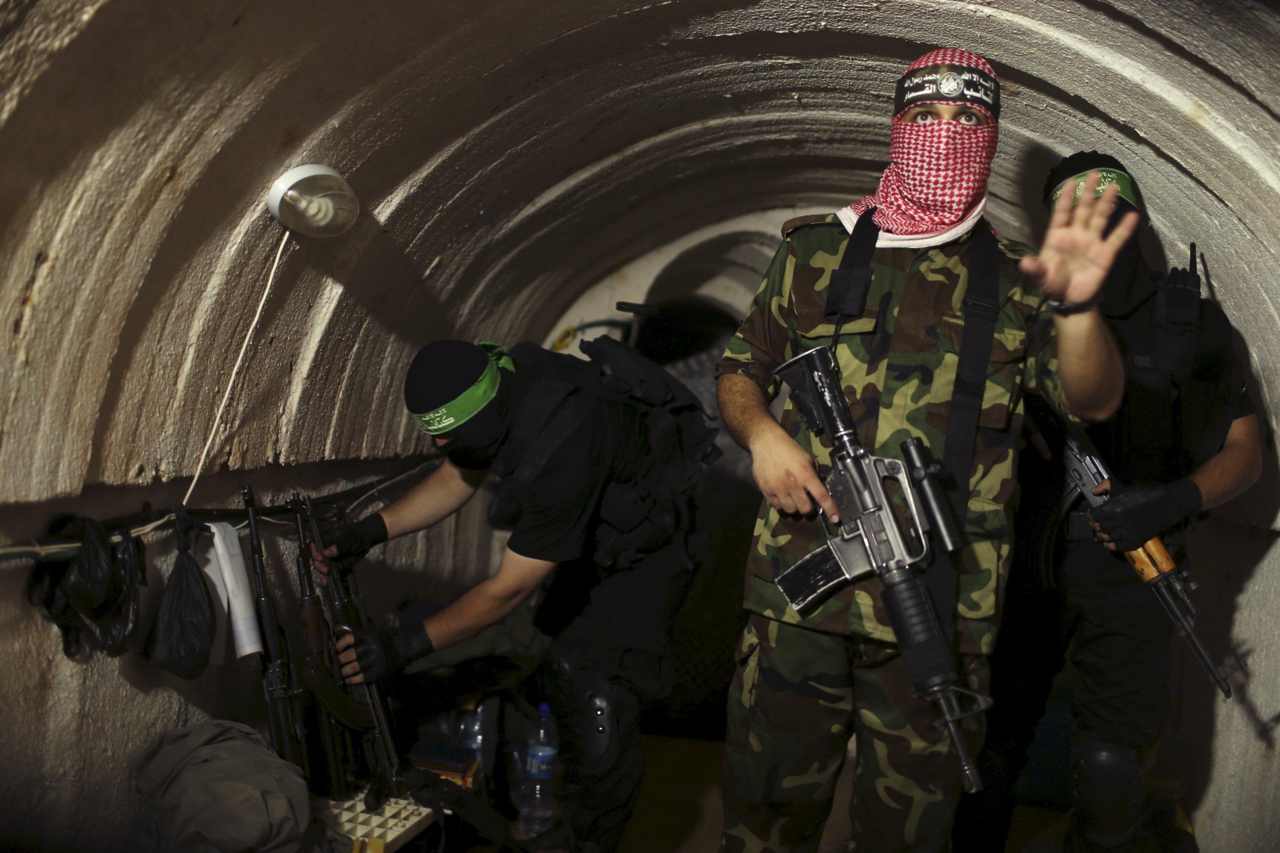 04_18_Hamas_Tunnels_01