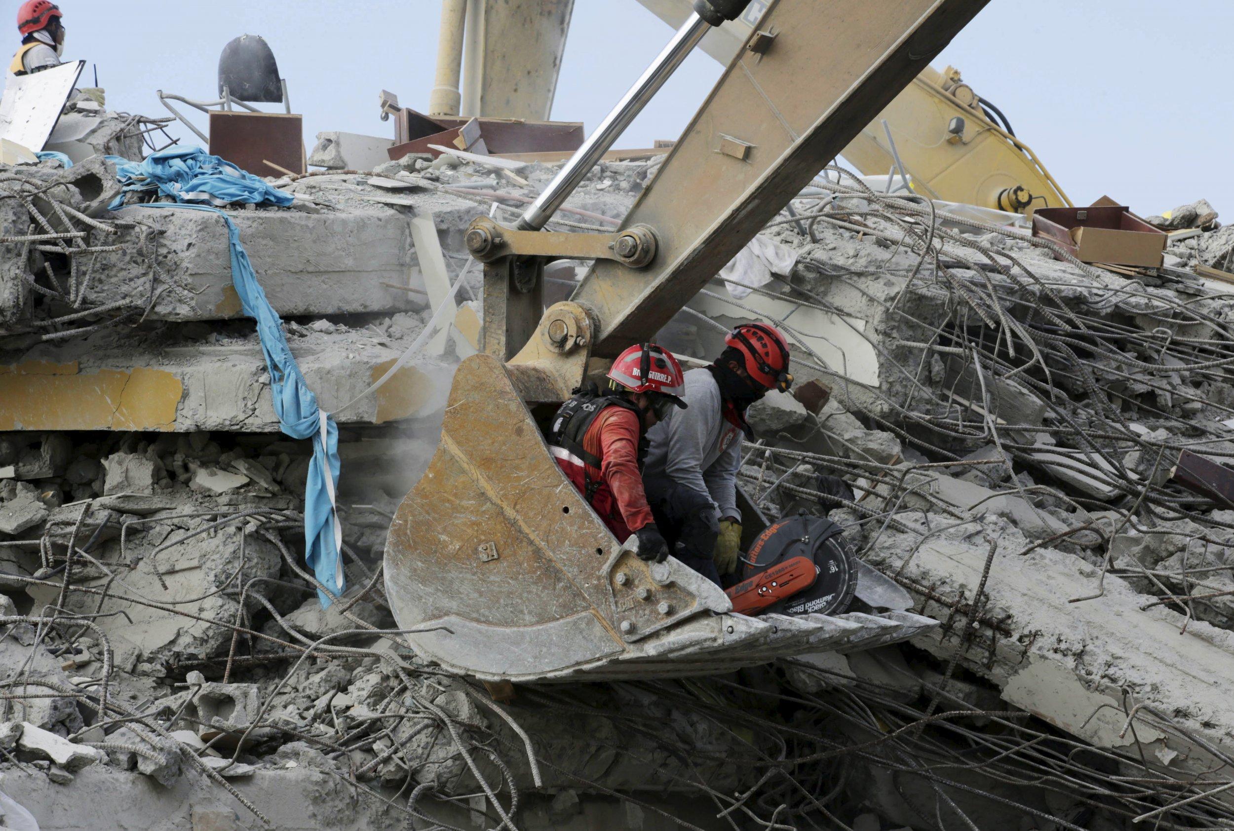 04_20_Ecuador_Quake_01