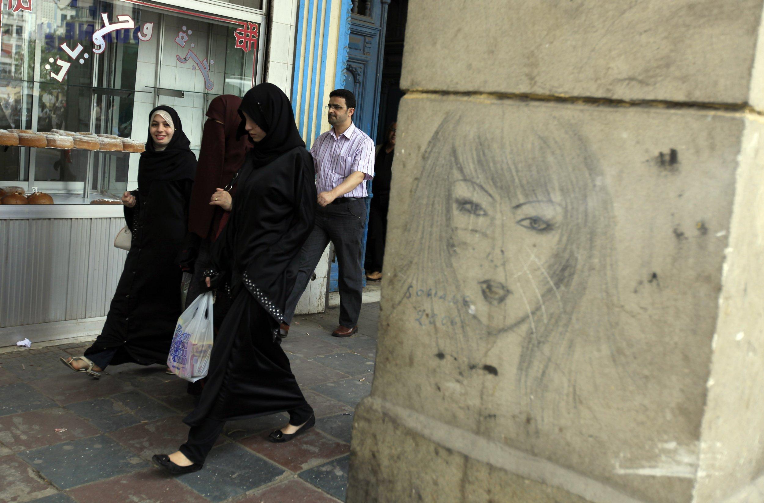 Hijab Controversy In Paris Fashion Week